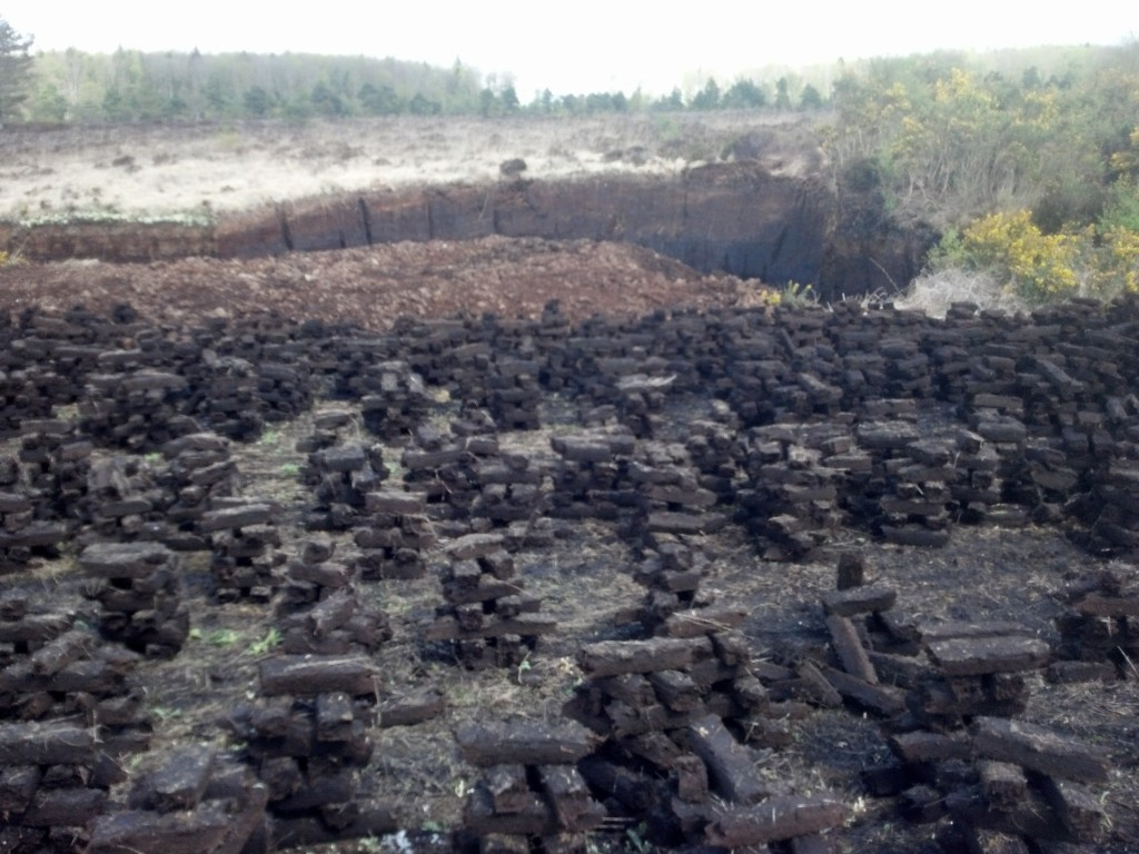 Stacking the peat, individual peat patches