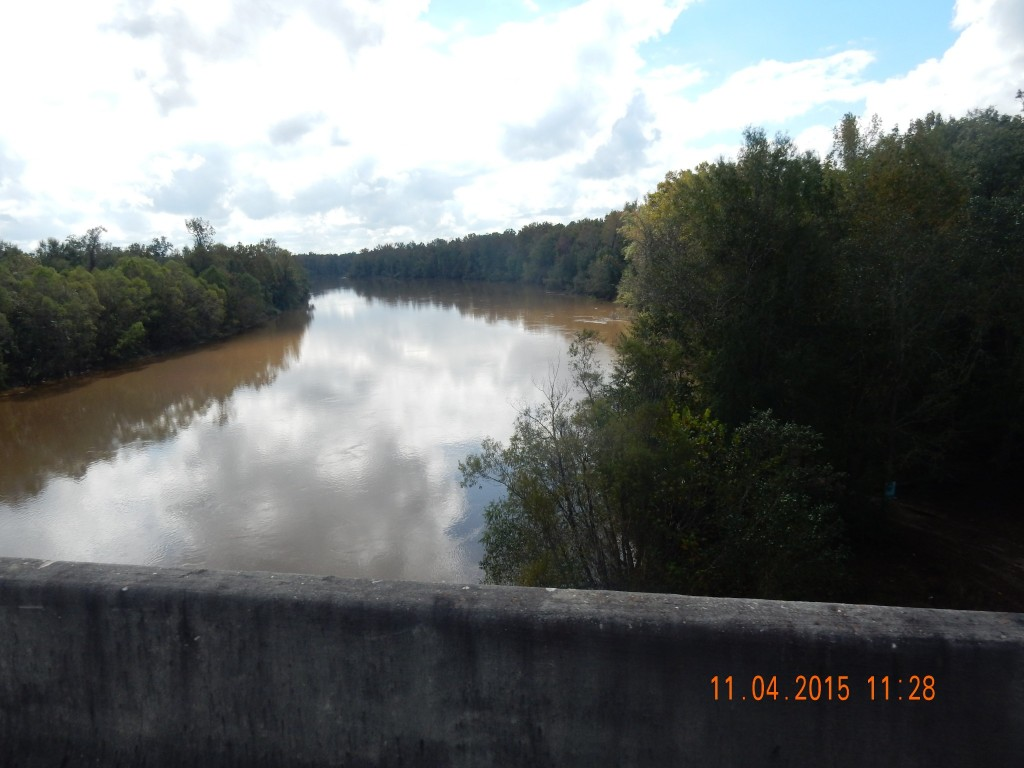 Pearl River separates Louisiana and Mississippi