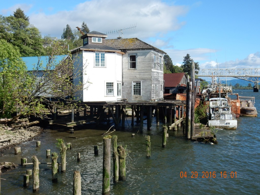 Down by the riverside, Cathlamet, WA, on the Columbia River