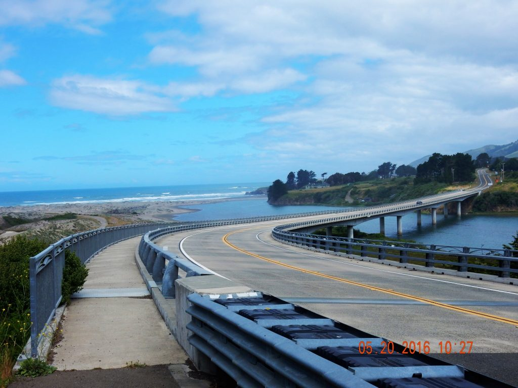 Nice bridge with its own bike section, love it! Crosses Ten Mile River outside of Fort Bragg